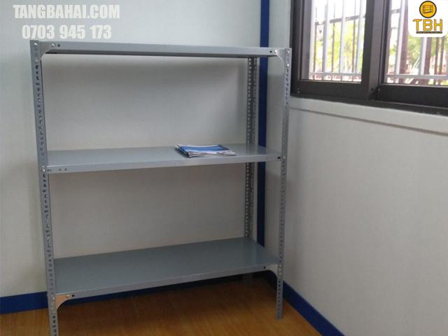 Đặc điểm và công dụng kệ sắt v lỗ 3 tầng