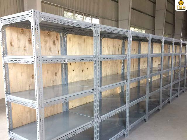 Tăng Bá Hải chuyên bán kệ sắt v lỗ tại Quận 1 chính hãng, giá tốt nhất thị trường