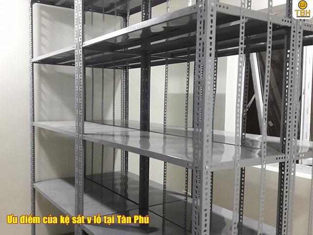 Điểm nổi bật của kệ sắt v lỗ tại Tân Phú