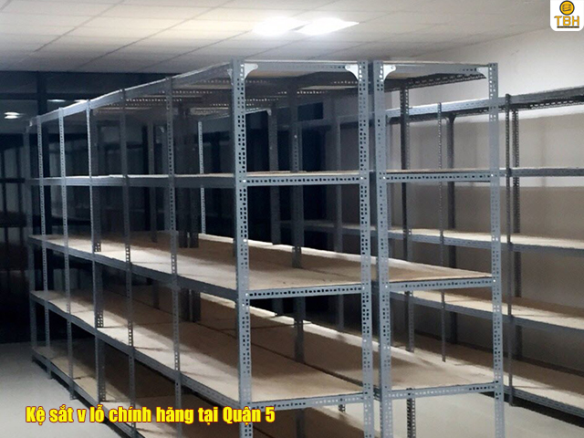 Chọn mua kệ sắt v lỗ tại Quận 5 phù hợp với mục đich sử dụng