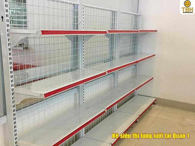 Địa chỉ lắp đặt kệ siêu thị lưng lưới tại Quận 1