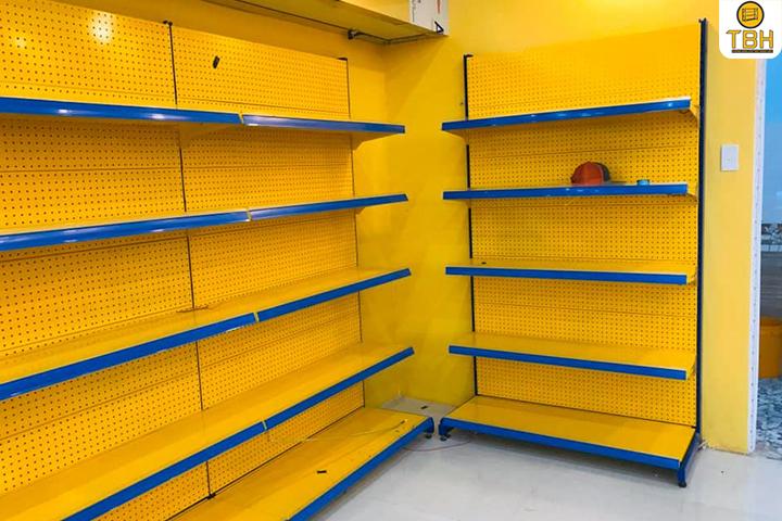Mẫu kệ siêu thị chất lượng tại Quận 9