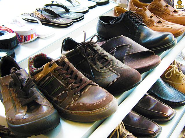 Kệ trưng bày giày dép đẹp nhất