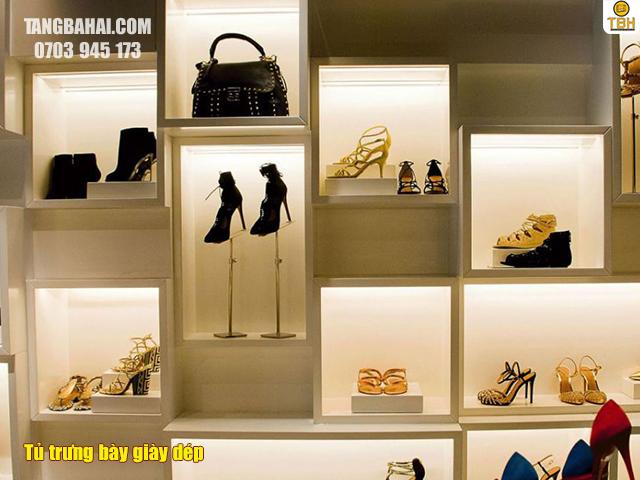 Tủ trưng bày giày dép